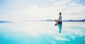 Être détendu dans les situations stressantes